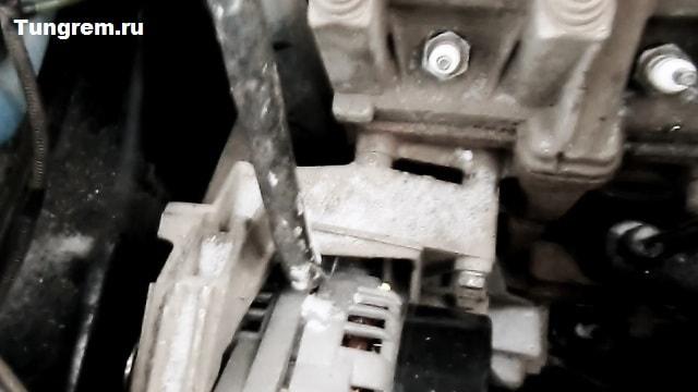 Natyagivaem generator kalina - Установка генератора лада калина